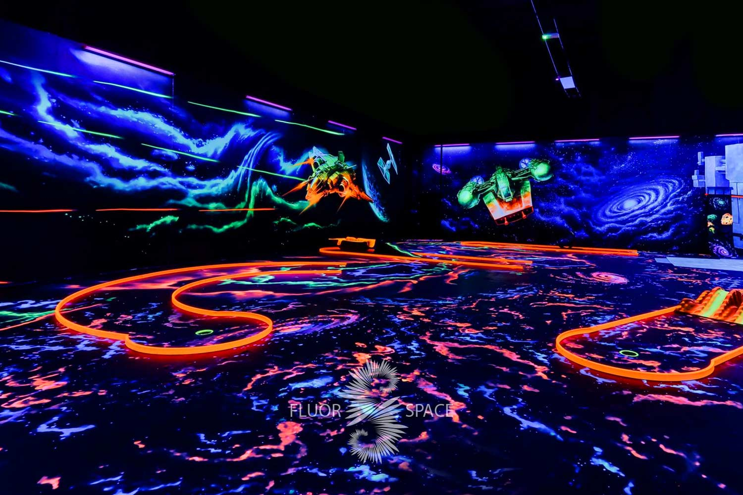 fluorescent-uv-active-3d-decoratin-for-neon-golf